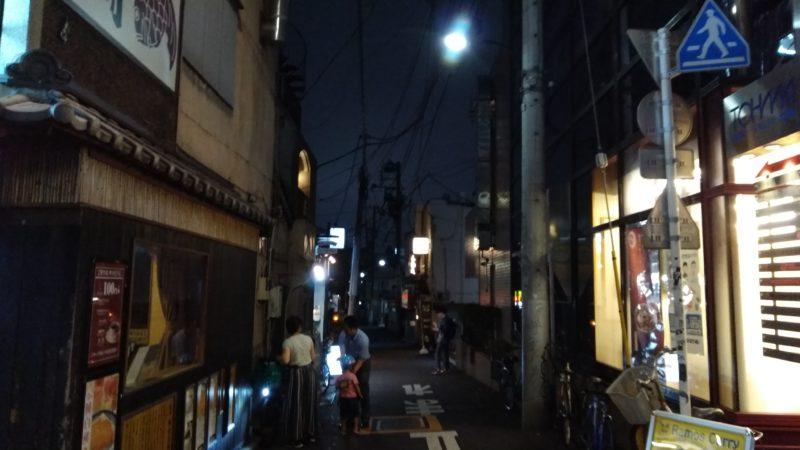 早稲田通りの松屋手前を曲がる