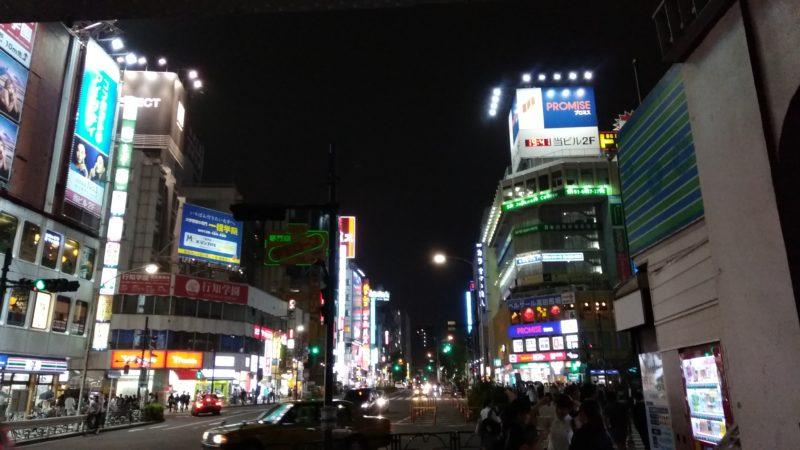夜の早稲田通り
